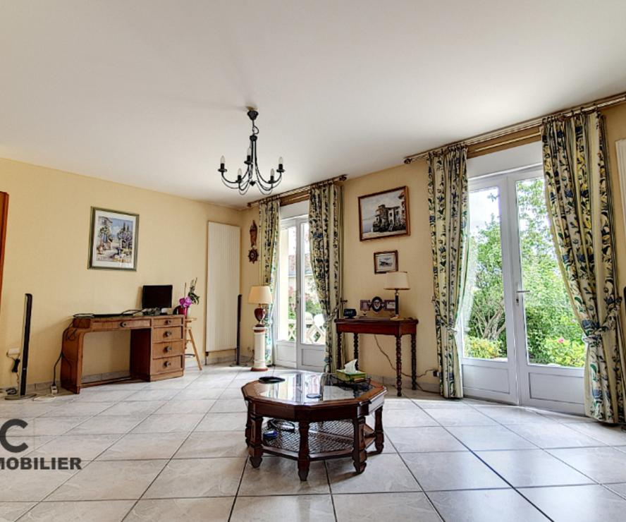 Vente Maison 6 pièces 153m² LA CHAPELLE SAINT MESMIN - photo