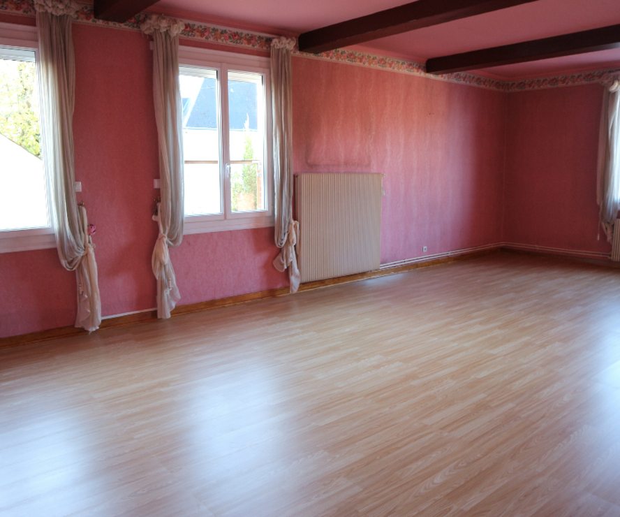 Vente Appartement 4 pièces 125m² ST JEAN DE LA RUELLE - photo