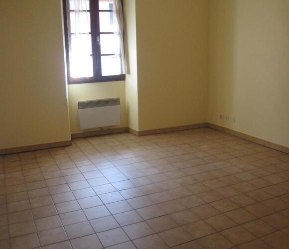 Location Appartement 2 pièces 33m² La Roche-sur-Foron (74800) - photo