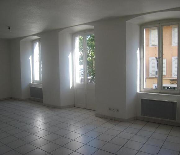 Location Appartement 2 pièces 45m² La Roche-sur-Foron (74800) - photo