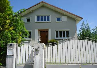 Vente Maison 12 pièces 170m² Les Abrets (38490) - photo