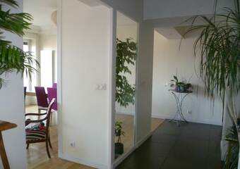 Renting Apartment 4 rooms 106m² Grenoble (38000) - Photo 1