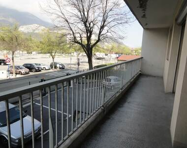 Location Appartement 2 pièces 48m² Le Pont-de-Claix (38800) - photo