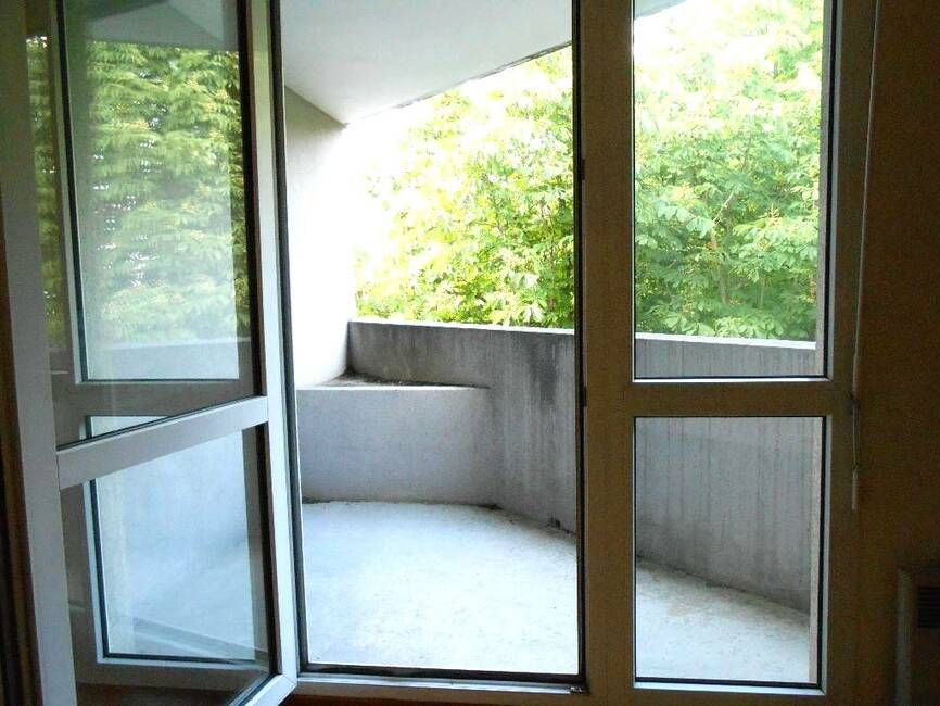 vente appartement 2 pi ces grenoble 329495. Black Bedroom Furniture Sets. Home Design Ideas