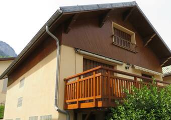 Sale House 5 rooms 103m² Le Bourg-d'Oisans (38520) - Photo 1