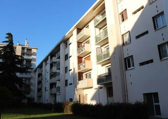 Renting Apartment 4 rooms 73m² Échirolles (38130) - Photo 1