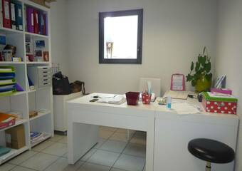 Renting Office 1 room 19m² Bourg-Saint-Maurice (73700) - Photo 1