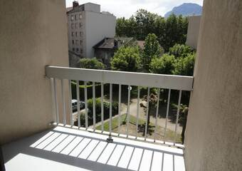 Renting Apartment 2 rooms 44m² Grenoble (38000) - Photo 1
