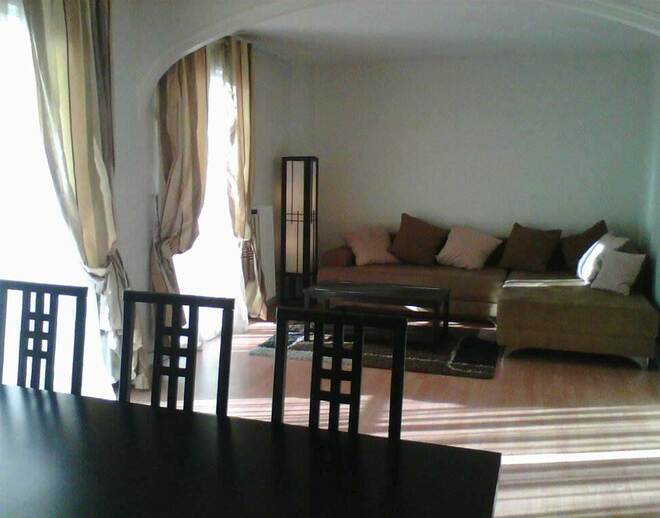 Location Appartement  Pices Paris