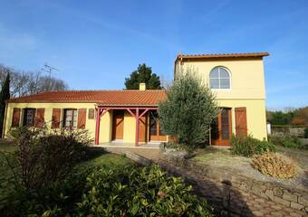 Sale House 7 rooms 142m² LEGE - Photo 1