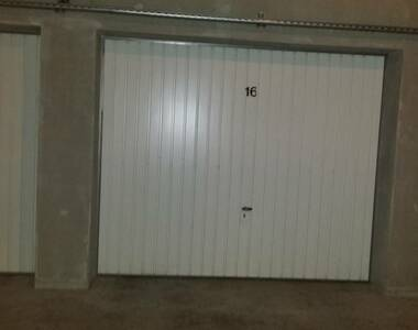 Renting Garage 18m² Grenoble (38000) - photo