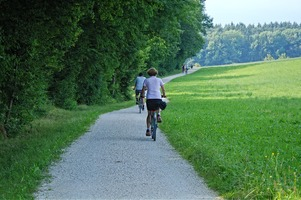 Les voies cyclables prolongées autour du lac d'Annecy