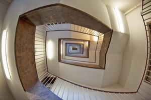 Escalier d'une copropriété : qui paye quoi ?