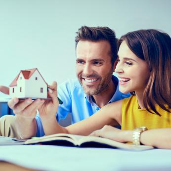 Gérer ses biens immobiliers en couple