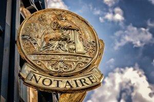 Confinement : un décret autorise la signature des actes notariés à distance