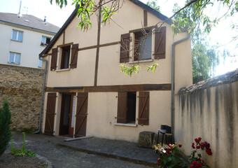 Location Maison 2 pièces 26m² Laval (53000) - Photo 1