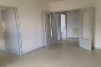 Location Appartement 3 pièces 63m² Lure (70200) - photo