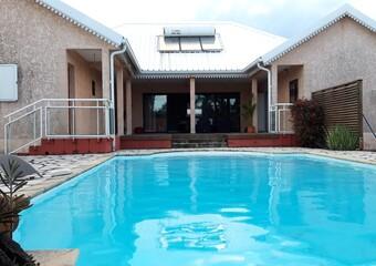 Vente Maison 5 pièces 246m² Saint-Benoît (97470) - Photo 1