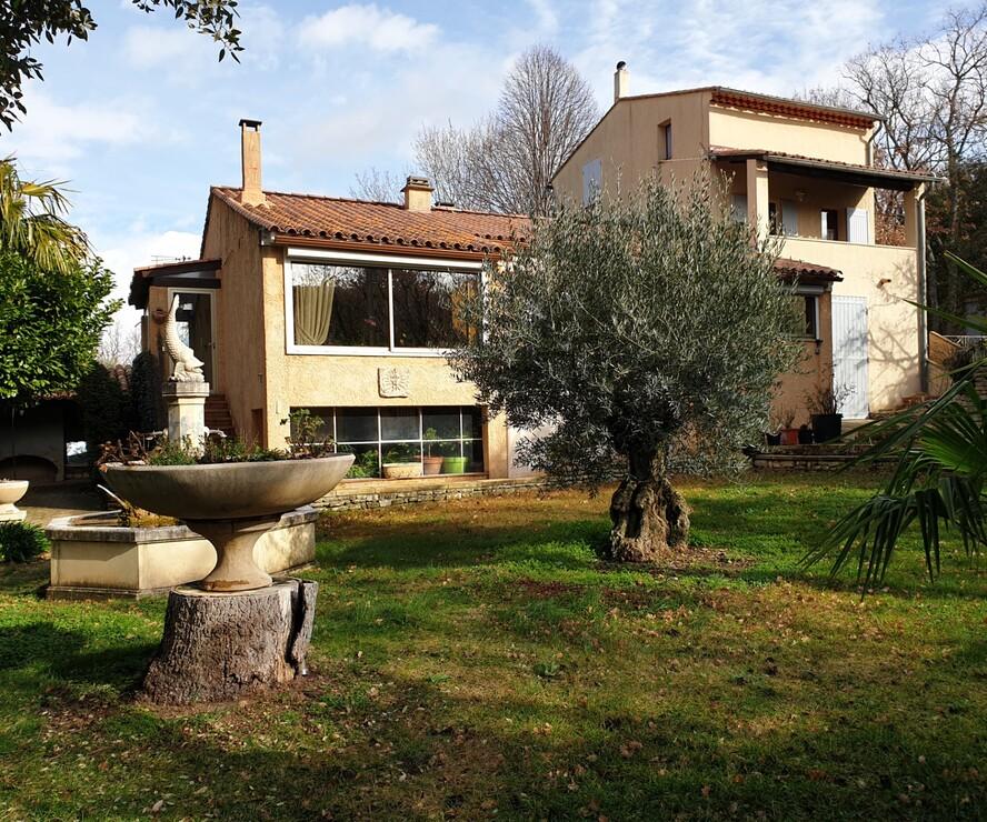 Vente Maison 10 pièces 213m² Saignon (84400) - photo