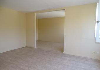Location Appartement 3 pièces 67m² Lillebonne (76170) - photo 2