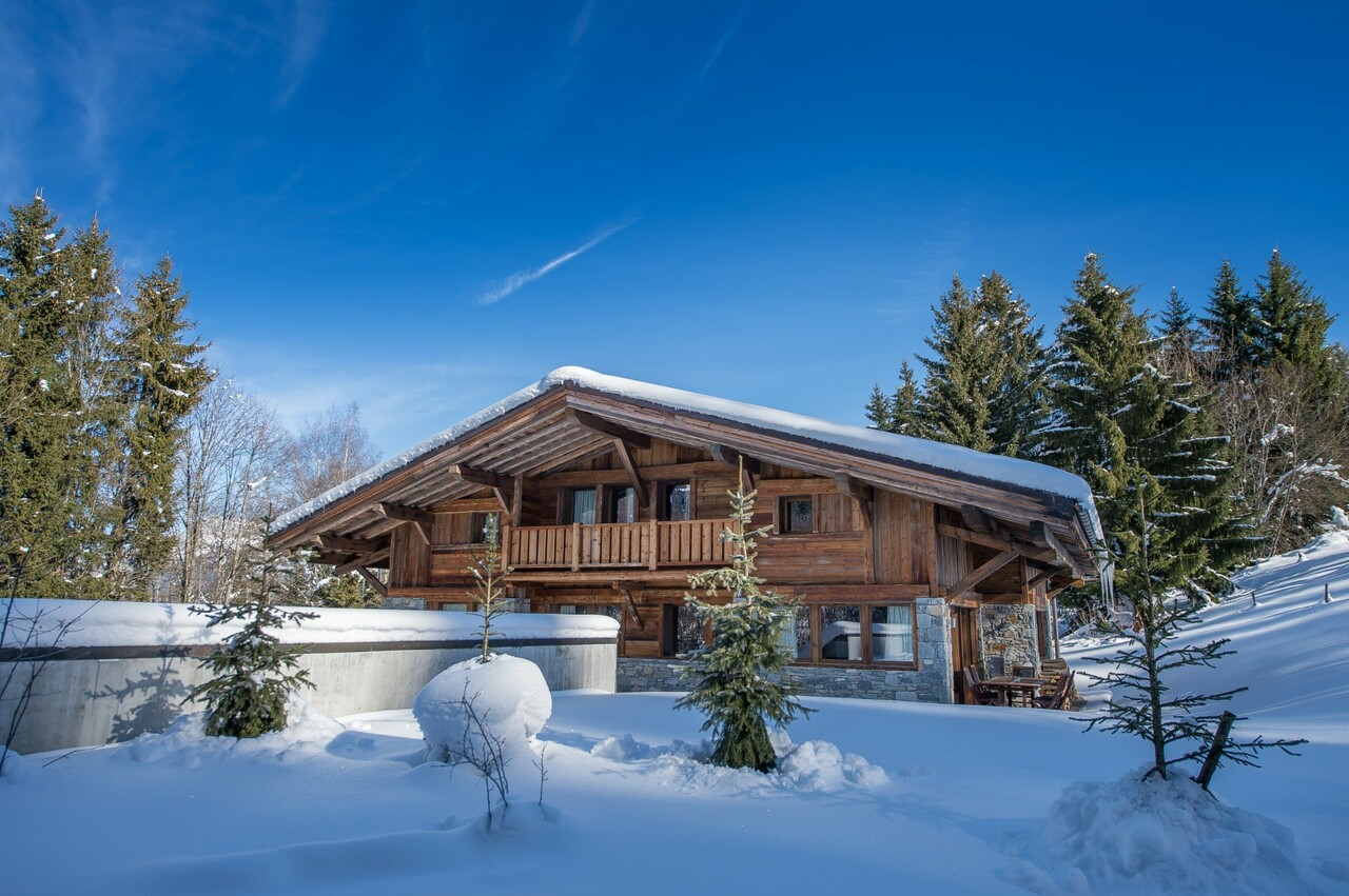 SUPERB CHALET COMBINING MODERNITY AND COMFORT Accommodation in Megeve