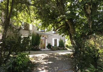 Renting House 6 rooms 235m² Saint-Nazaire-les-Eymes (38330) - Photo 1