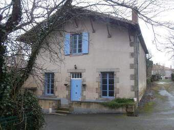 Vente Maison 5 pièces 133m² Le Beugnon (79130) - Photo 1