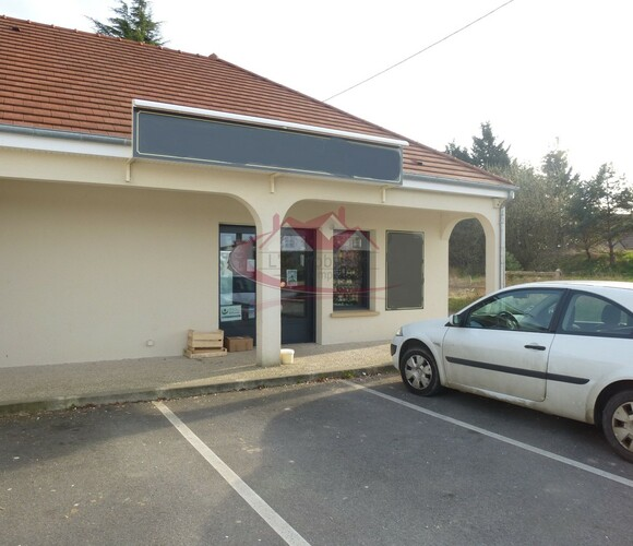 Vente Local commercial 3 pièces Houdan (78550) - photo