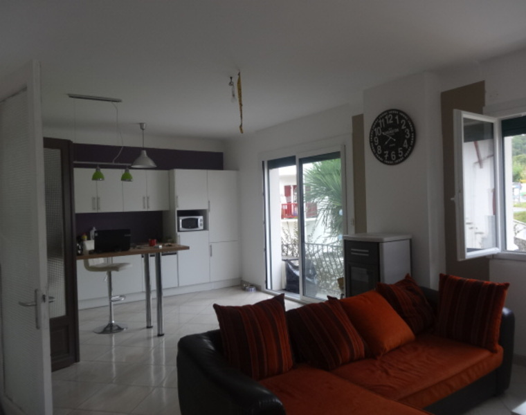 Location Appartement 3 pièces 79m² Cambo-les-Bains (64250) - photo