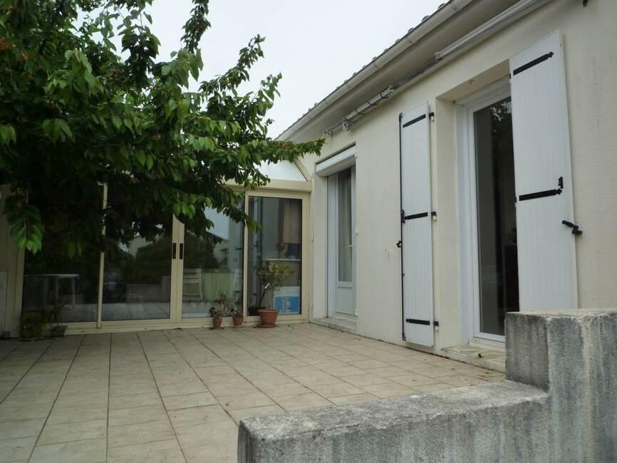 Vente maison 4 pi ces la rochelle 17000 218449 for Garage ad la rochelle