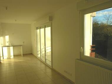 Location Appartement 1 pièce 29m² Genay (69730) - photo