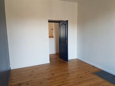 Location Appartement 4 pièces 89m² Pau (64000) - Photo 9