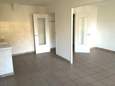Location Appartement 2 pièces 48m² Saint-Jean-en-Royans (26190) - photo