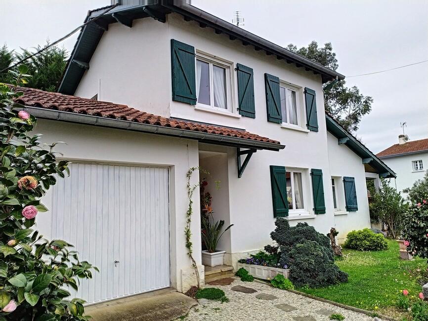 Vente Maison 4 pièces 87m² Cambo-les-Bains (64250) - photo