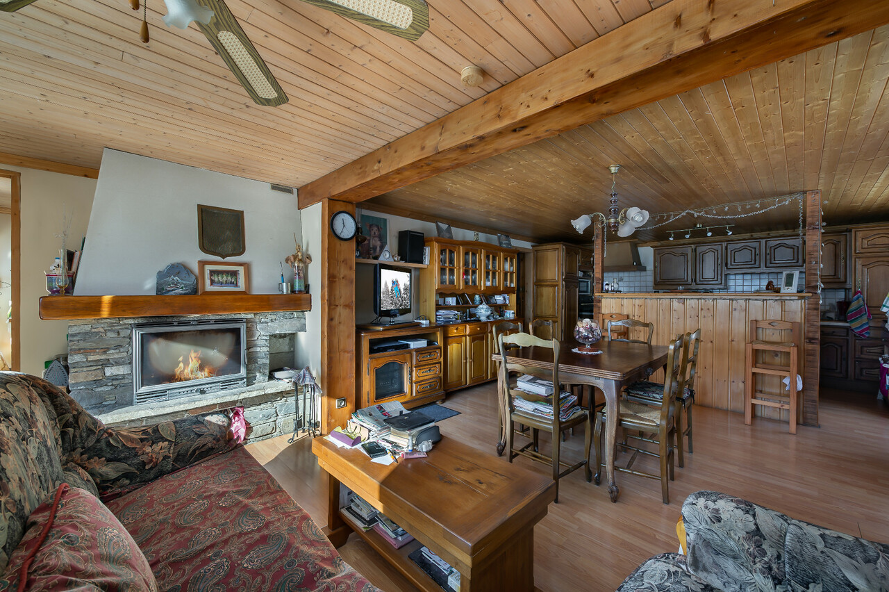 CHALET WITH POTENTIAL Accommodation in Meribel