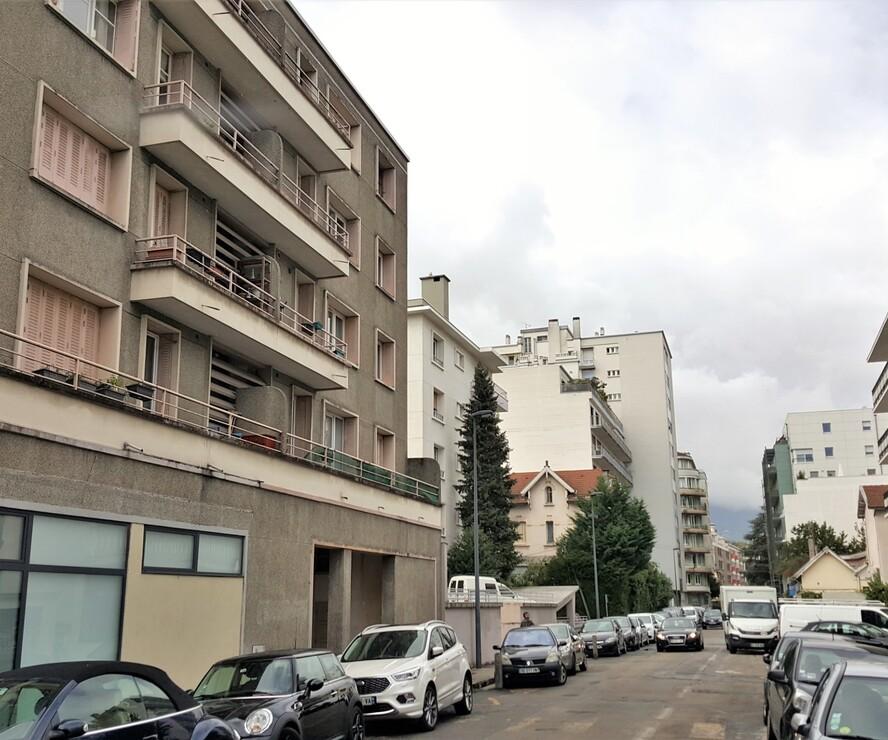 Renting Apartment 2 rooms 27m² Grenoble (38100) - photo