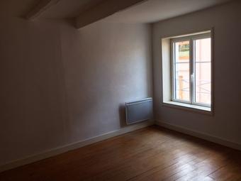 Location Appartement 2 pièces 48m² Saint-Denis-de-Cabanne (42750) - photo 2