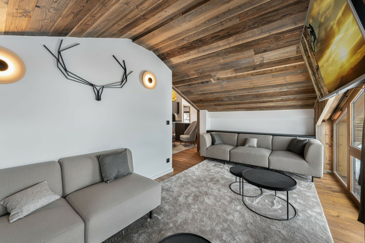 HIGH STANDING APARTMENT Chalet in Courchevel