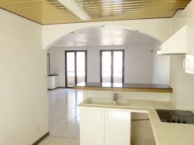 Location Appartement 3 pièces 74m² Saint-Étienne (42000) - Photo 8