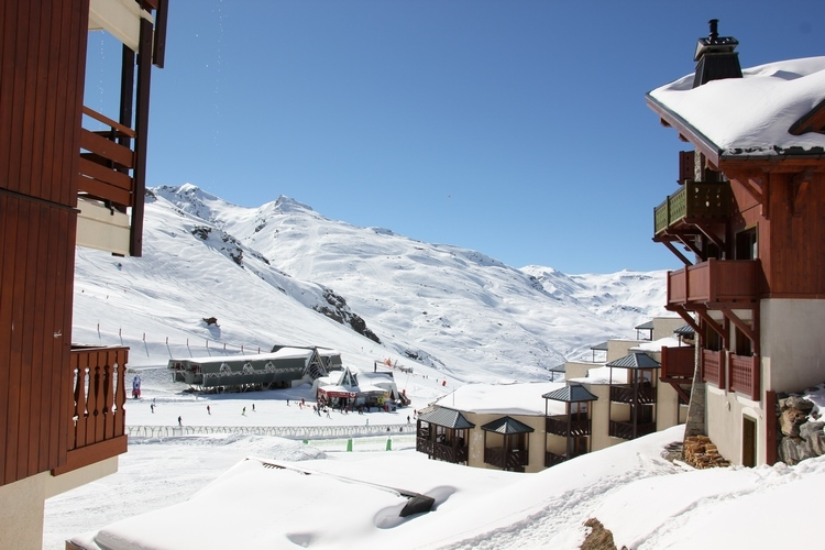 APARTMENT ON THE SLOPES Accommodation in Val Thorens