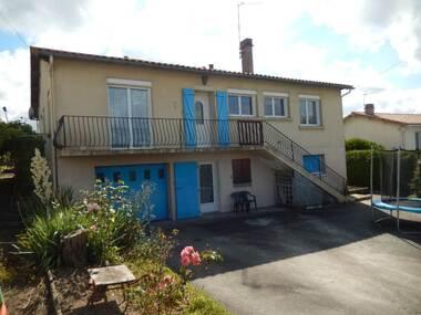 Vente Maison 7 pièces 132m² Parthenay (79200) - photo