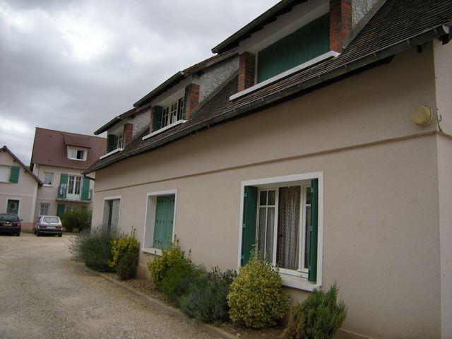 Location Appartement 4 pièces 62m² Ivry-la-Bataille (27540) - photo