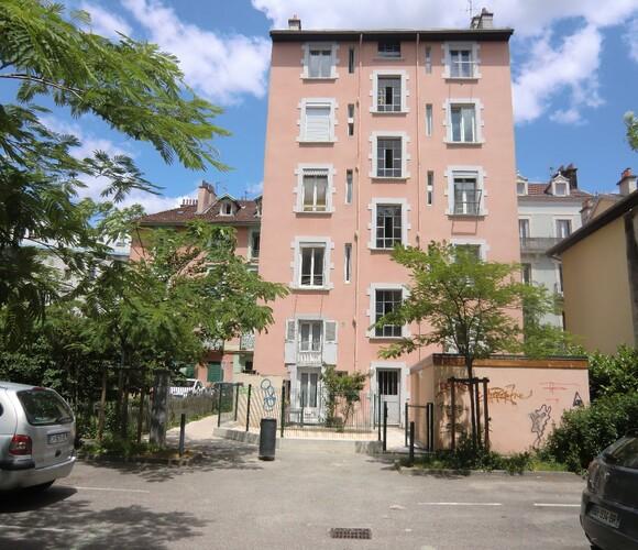 Location Appartement 1 pièce 37m² Grenoble (38000) - photo