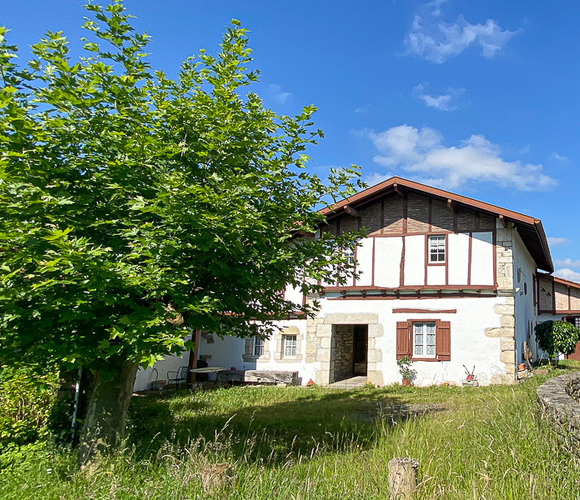Vente Maison 7 pièces 218m² Mouguerre (64990) - photo
