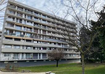 Vente Appartement 3 pièces 63m² Saint-Martin-d'Hères (38400) - photo 2