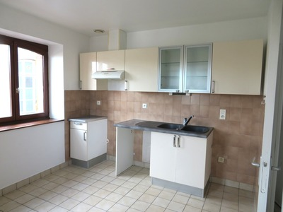 Location Appartement 81m² Billom (63160) - photo