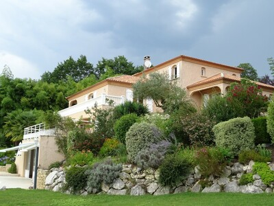 Vente Maison 8 pièces 400m² Buros (64160) - photo
