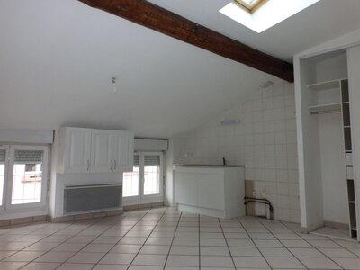 Location Appartement 3 pièces 36m² Saint-Étienne (42000) - Photo 2