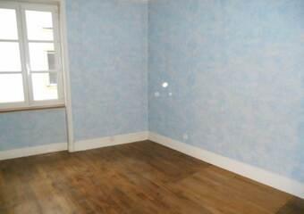 Location Appartement 2 pièces 45m² Amplepuis (69550) - photo 2