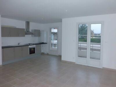Location Appartement 4 pièces 78m² Savigneux (42600) - Photo 2